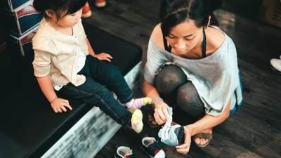 Tips Memilih Sepatu yang Tepat Untuk Bayi dan Balita, Ini 5 Ciri Idealnya, Moms!