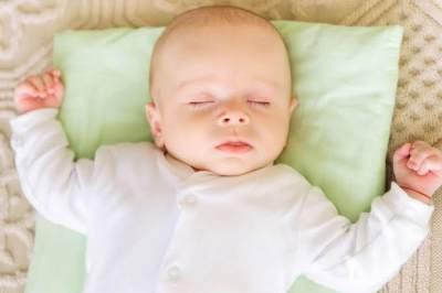 Anti Peyang! Ini 5 Tips Memilih Bantal Untuk Bayi Baru Lahir