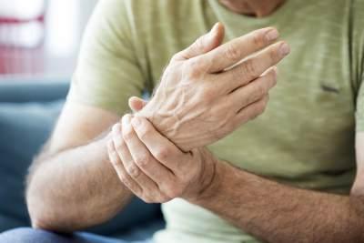 Risiko Terkena Penyakit Jantung dan Asam Urat