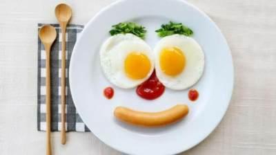 5 Jenis Makanan yang Sebaiknya Tidak Dikonsumsi Saat Sarapan