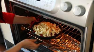 Resep Ayam Buldak, Korean Spicy Fire Chicken dengan Topping Keju yang Lezatnya Menggoda