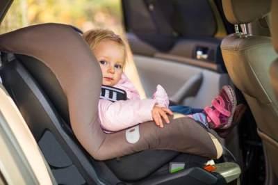 Tips Aman Berkendara Bersama Anak, Ini 5 Hal yang Harus Diperhatikan