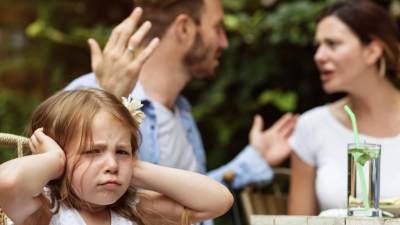 Tips Menghadapi Perbedaan Pola Asuh Anak dengan Suami