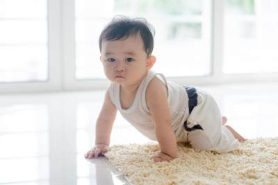 Pentingnya Merangkak Dalam Tumbuh Kembang Bayi, Ketahui 5 Manfaatnya Moms!