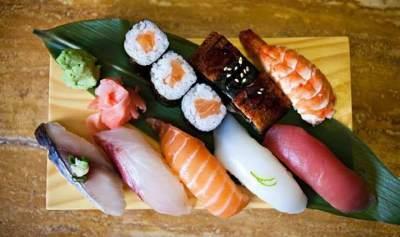 Bolehkah Anak Makan Sushi dan Sashimi? Ketahui Aturan Konsumsinya Yuk!