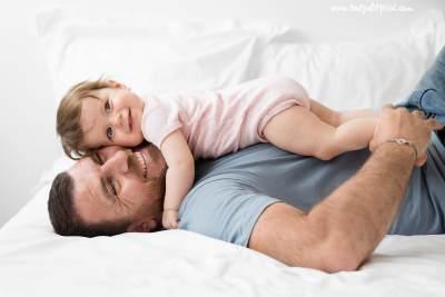 Manfaat Pelukan dan Belaian Orang Tua dalam Tumbuh Kembang Anak