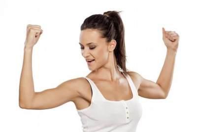 3 Gerakan Olahraga Sederhana Untuk Lenyapkan Lengan Bergelambir