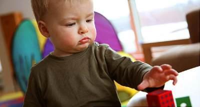 5 Langkah Mencegah Speech Delay Pada Anak, Antisipasi Penyebabnya Juga, Moms