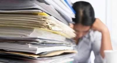 1. Stress Akibat Pekerjaan Menumpuk