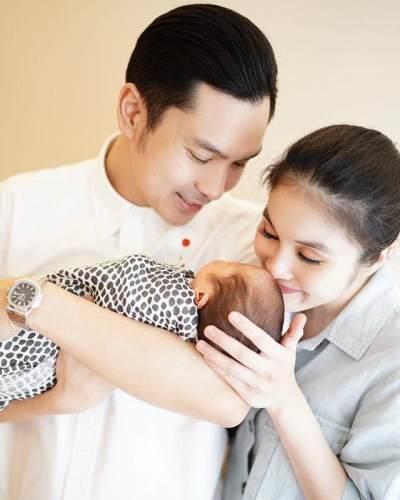 Sempat Disembunyikan, Wajah Anak Kedua Sandra Dewi Akhirnya Terungkap, Mirip Siapa ya?