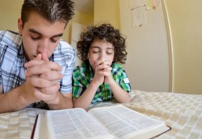 Keberadaan Kakek Nenek Berpengaruh Pada Kehidupan Spiritual Anak