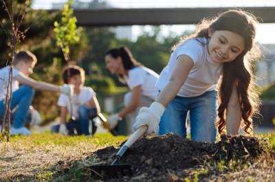 10 Kegiatan Sosial yang Bisa Diikuti Anak, Tumbuhkan Sikap Peduli dengan Menyenangkan