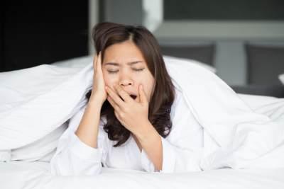 Atasi Kurang Tidur Pasca Melahirkan dengan 4 Tips Ampuh Ini