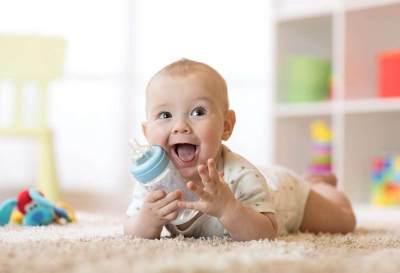 Tips Memilih Botol Susu Untuk Bayi, Jangan Asal Beli, Moms!