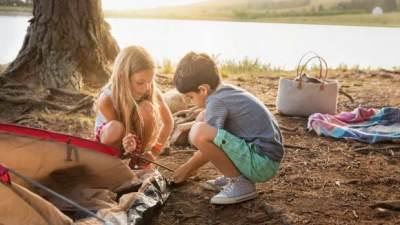 Ciptakan Bonding dengan Berkemah di Alam Terbuka, Ini 5 Manfaatnya Untuk Anak