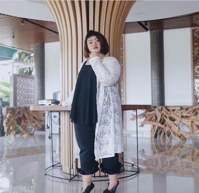 Intip 7 Gaya Fashion Plus Size Ala Influencer Tira Emon yang Menginspirasi