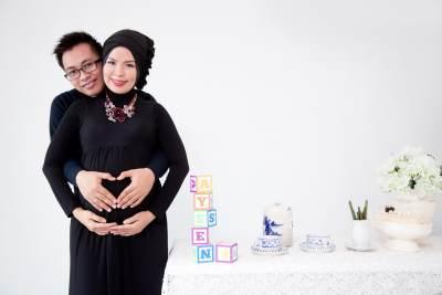 Foto Maternity Gaya Simpel untuk Bumil Berhjab