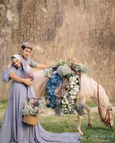 5 Inspirasi Foto Maternity Untuk Ibu Hamil Berhijab, Intip Yuk, Moms!