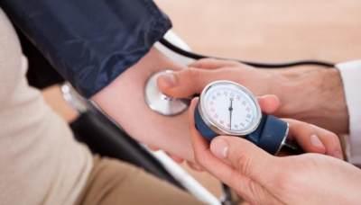Rutin Cek Tekanan Darah