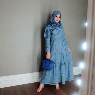 Hijab Biru Sederhana