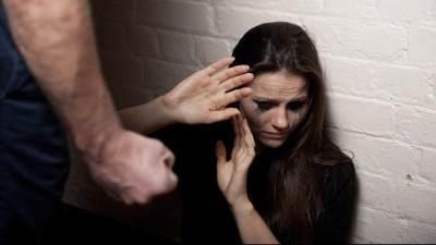 Tak Hanya Kekerasan Fisik, Ini Jenis-jenis KDRT yang Perlu Moms Ketahui