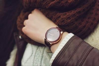 Tampil Trendi & Fashionable dengan 7 Rekomendasi Jam Tangan Lokal Kekinian