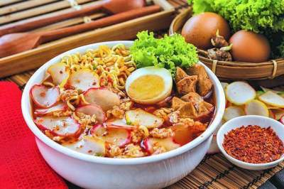Penyuka Pedas Wajib Coba 5 Resep Seblak Khas Bandung yang Enak Banget!