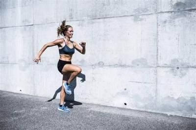 4 Gerakan Olahraga yang Ampuh Mengecilkan Perut Pasca Melahirkan