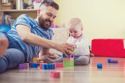 5 Perubahan Pria yang Terjadi Setelah Punya Anak, yang Terakhir Benar Banget!