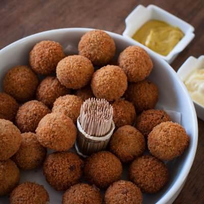 Resep Bitterballen, Bakso Versi Belanda yang Cocok Jadi Cemilan Sore Keluarga