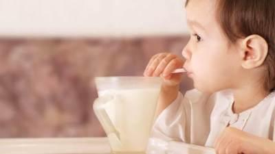 Mengenal Susu Evaporasi, Kandungan, Manfaat dan Bahayanya Bagi Si Kecil