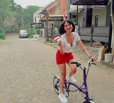 4 Penampilan Seksi Vanessa Angel yang Tuai Kontroversi Hingga Komentar Pedas Netizen