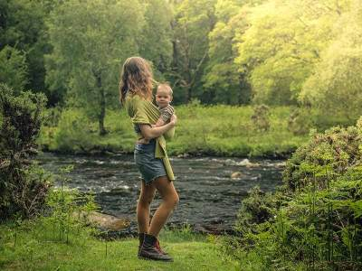 Pola Asuh Anak Sederhana, Ini Organic Parenting Style yang Bisa Moms Lakukan