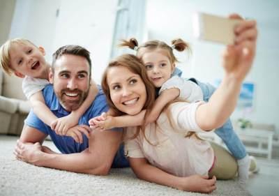 5 Alasan Orangtua Sebaiknya Tidak Posting Foto Anak Sembarangan di Media Sosial