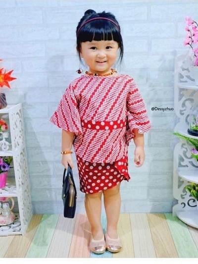 Gak Kalah Keren, Ini 8 Inspirasi Baju Batik Untuk Anak yang Cute dan Fashionable!