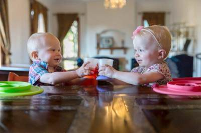 Peralatan Makan Bayi Pertama, Harus Memilih yang Seperti Apa?