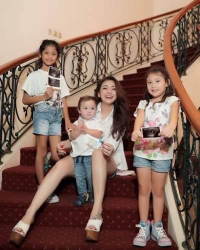 Celine Evangelista, Ibu Muda dengan Empat Anak yang Masih Tetap Berkarya