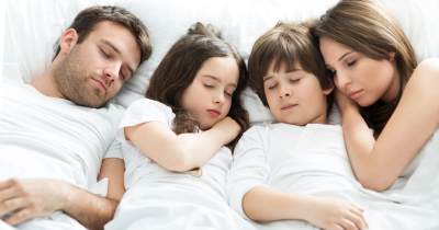 Kapan Seharusnya Anak Pisah Kamar dengan Orangtua?