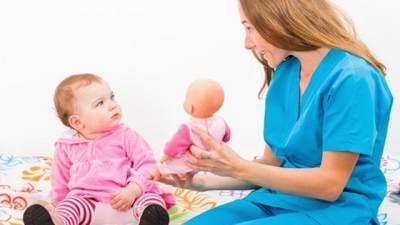 5 Hal Penting yang Harus Dilakukan Saat Memilih Pengasuh Anak, Gak Boleh Asal, Moms!