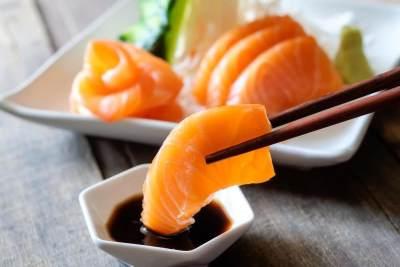4 Manfaat Makan Ikan Mentah, Perhatikan Tips Mengonsumsinya Ya!