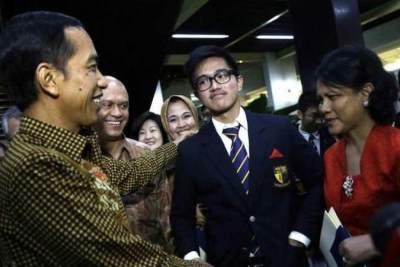 Hadiri Wisuda Kaesang, Jokowi Kejutkan Wisudawan di Singapura