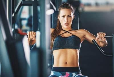 3. Lakukan Olahraga yang Memperbesar Payudara
