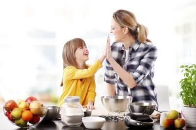 Mengenal 4 Jenis Pola Asuh Anak dan Efeknya Untuk Si Kecil