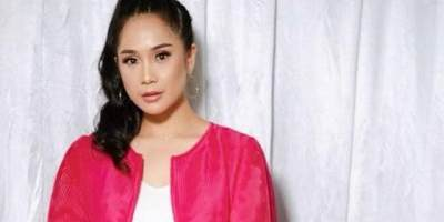 Tips Makeup dan Outfit Simple Elegant ala Nagita Slavina