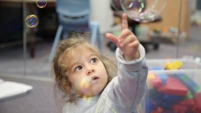 Sering Diabaikan, Ini 9 Penyebab Autisme Pada Janin Dalam Kandungan