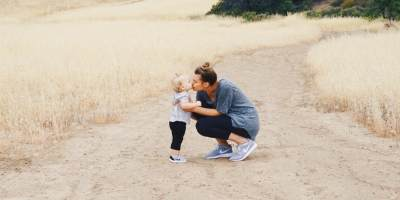 Ajarkan Anak Cintai Diri Sendiri (Self Love) dengan 5 Langkah Ini