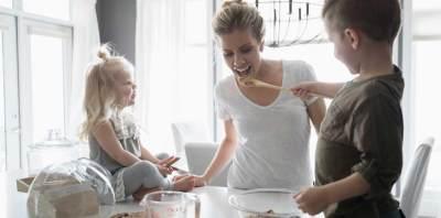 Pernah Stress Saat Mengasuh Anak? Coba 8 Tips Ini Untuk Mengatasinya, Moms