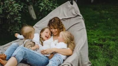 Mengasuh Anak dengan Gentle Parenting, Apa Bedanya dengan Pola Asuh yang Lain?