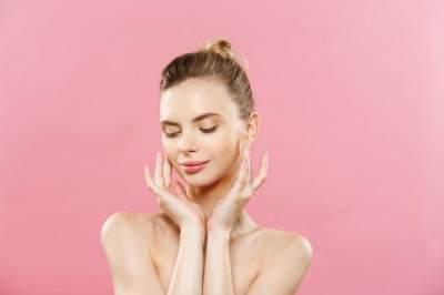 Cara Mudah Mendapatkan Pori-pori Wajah Sehat dengan 5 Tips Ini