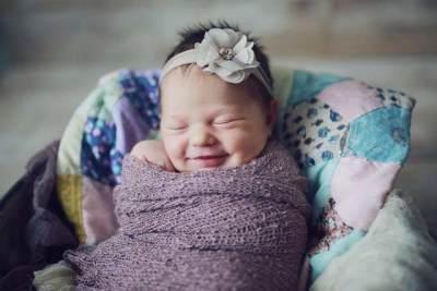 Nama Bayi Perempuan Jawa Bermakna Cantik & Lembut Berawalan Huruf D-E-F
